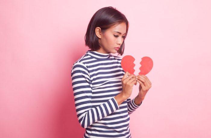 恋愛でお悩みのアナタには電話占いがオススメです